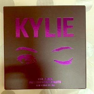 Kylie Cosmetics Purple Pallet Eyeshadow